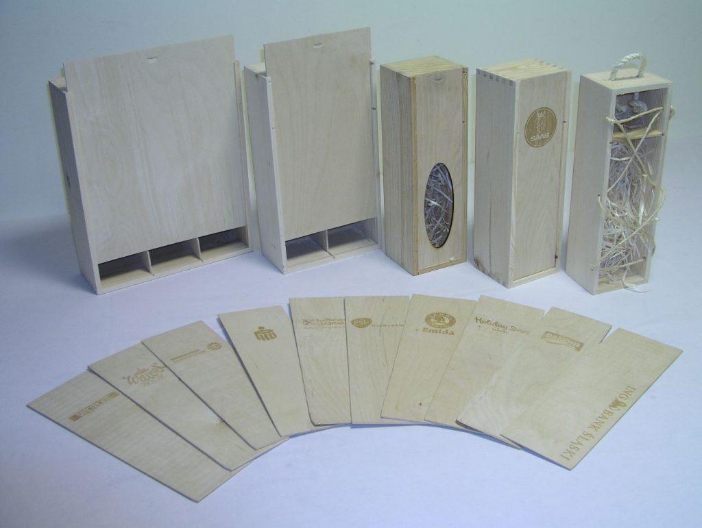 Skrzynki drewniane z dedykowanym nadrukiem lub grawerem